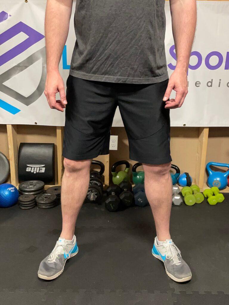 wide foot rotation squat